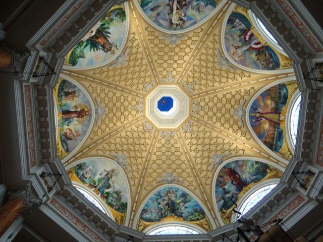 ミラコスタ ロビーの天井