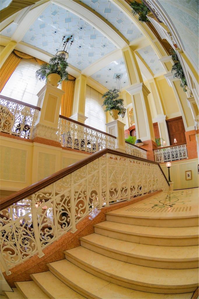 ディズニーランドホテル 階段
