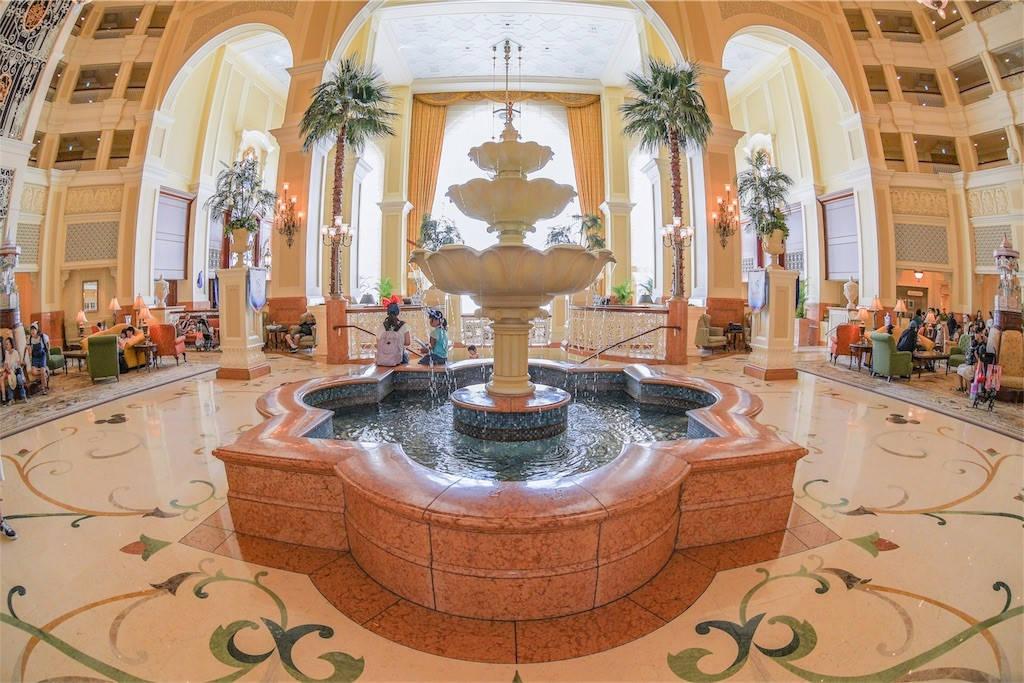 ディズニーランドホテル 噴水