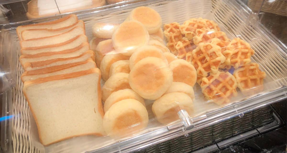 ホテルエミオン 朝食バイキング パン