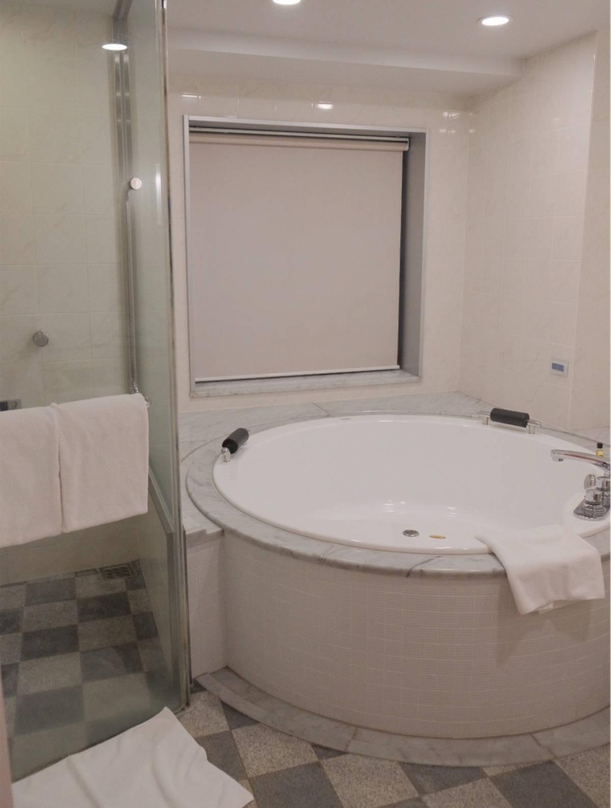 ホテルエミオン 風呂