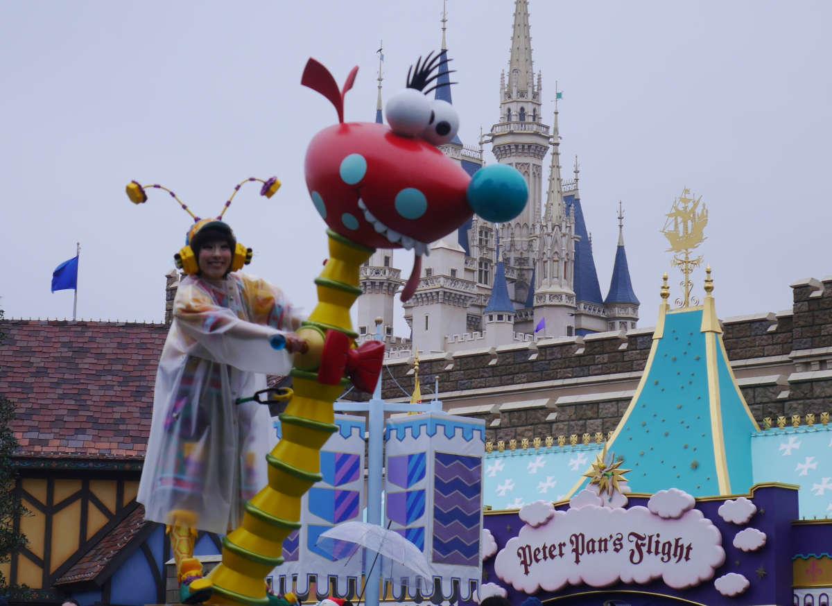 ディズニーランド 雨の日パレード