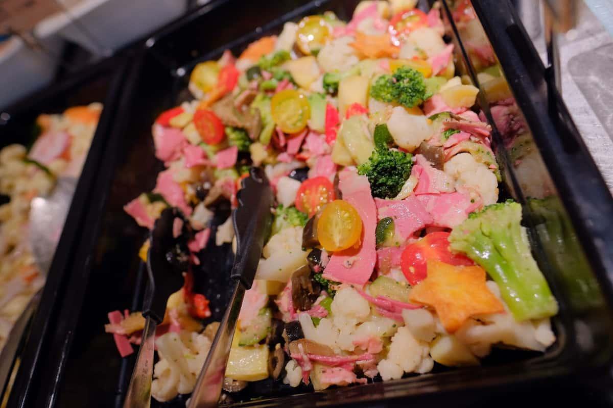 ビーフパストラミのサラダ